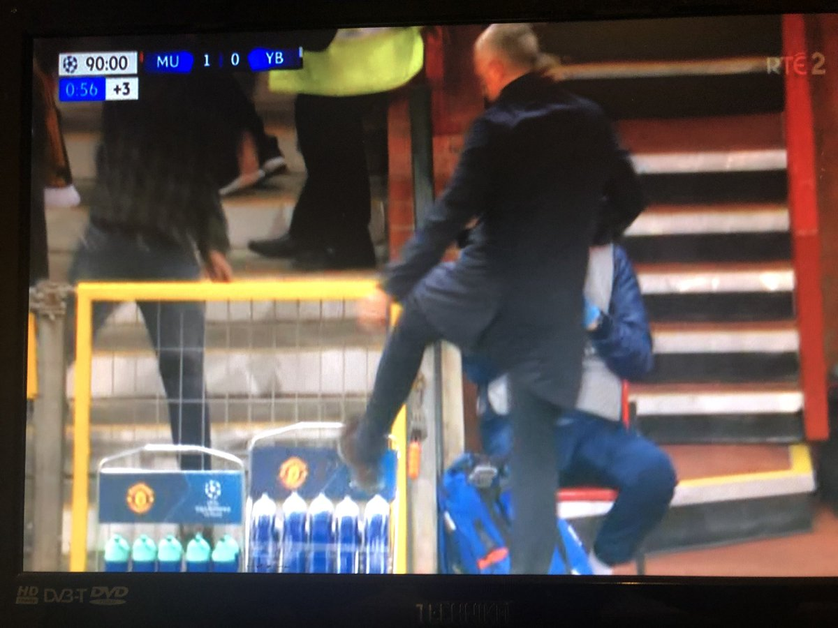What Do You Think Of This Mourinho's Jubilation After Fellaini's Late Goal (Video)