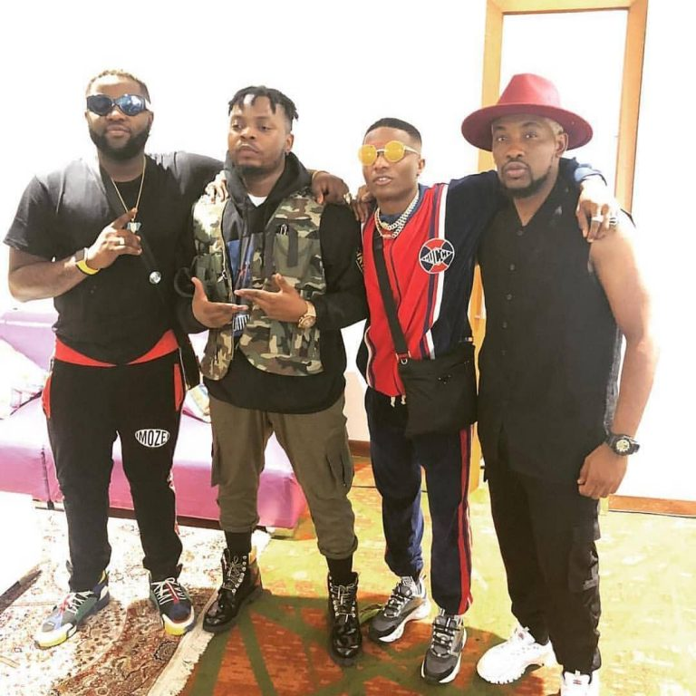 Photo of Wizkid Made a Surprise Appearance At Olamide's Concert, Left His Own Show (Video)