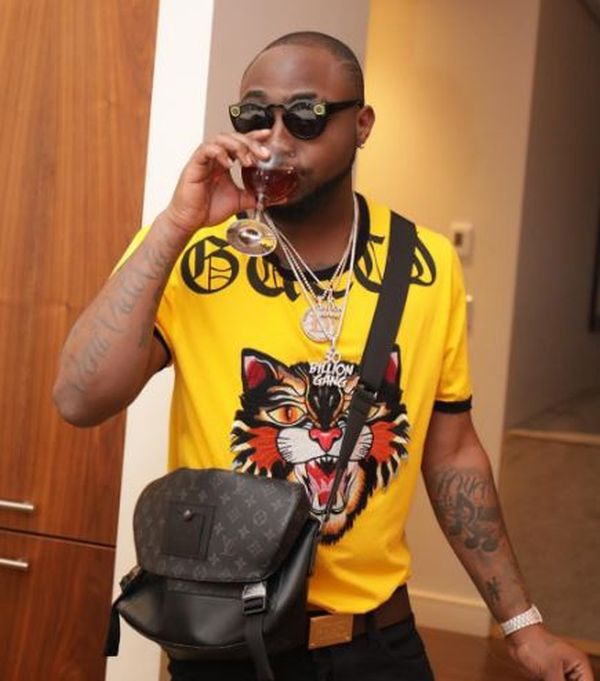 Photo of Davido reacts as police arrest his uncle, Sen. Adeleke