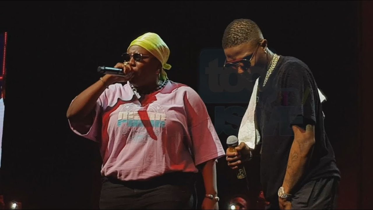 Photo of Teni Challenges Wizkid To A Freestyle Battle At His Concert | VIDEO