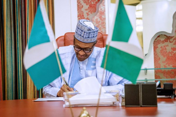 Buhari reiterates anti-corruption stance in New Year letter, promises mass job creation