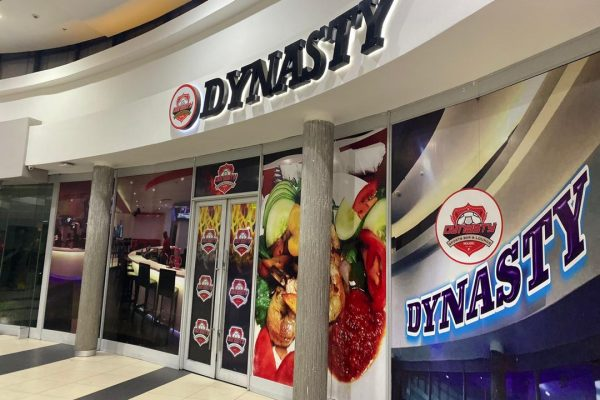 Valentine- Dynasty Lounge gives free meal to1000 customers