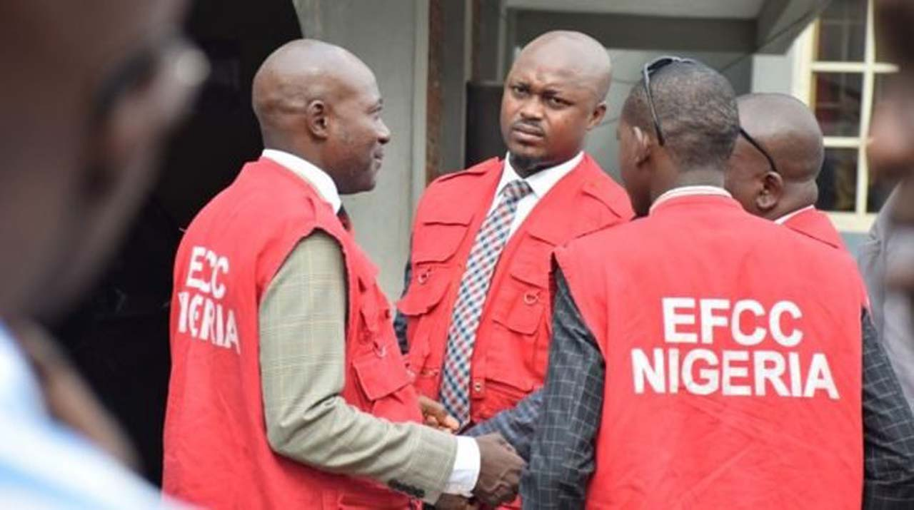 Photo of EFCC arrests 42 suspected Yahoo boys in Ogun