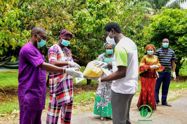 COVID-19: Farmkonnect distributes food items to 1200 families in Oyo state and Osun state