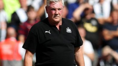 Photo of Newcastle boss fuming over VAR decisions