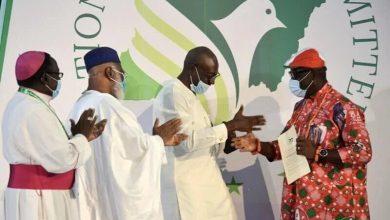 Photo of Edo: Obaseki, Ize-Iyamu Signs Peace Accord Agreement