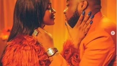 Photo of Chioma takes down photos of Davido on her IG
