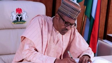 Photo of #EndSARS: Buhari Vows To Deal With Unlawful Protests