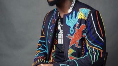 Photo of Davido: 'People supporting Buhari, deserve hell'