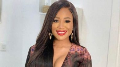 Photo of Lady Says She Won't Remove Her Clothes after Hugging Erica (Video)