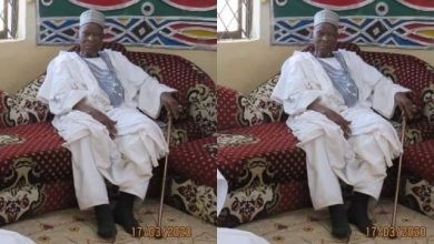 Photo of Buhari Sympathize With Kwankwaso Over Father's Death