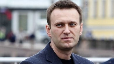 Photo of Poisoned Kremlin critic Navalny detained in Russia