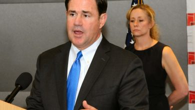 Photo of Ariz. gov. rejects call for online learning
