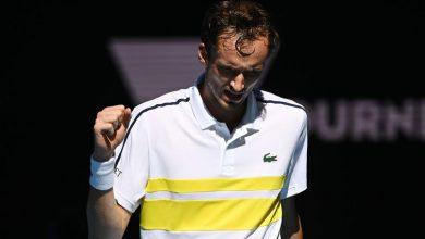 Photo of Tennis world reacts to imperious Daniil Medvedev's Australian Open semifinal win