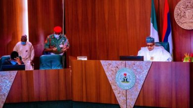 Photo of Buhari Presides Over FEC Meeting, Honors Late Ministers