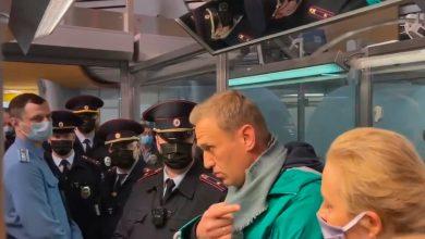 Photo of Navalny hearing begins, dozens arrested outside court