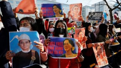Photo of Myanmar doctors stop work to protest coup as U.N. considers response