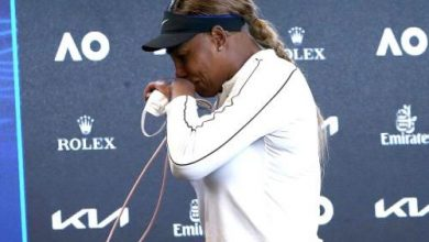 Photo of Serena Williams leaves press conference in tears after loss to Naomi Osaka: 'I'm Done'