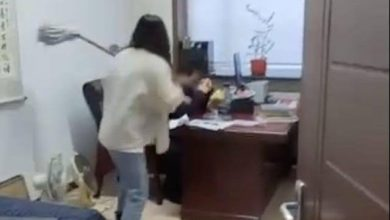Photo of Woman beats up boss who sent her racy message