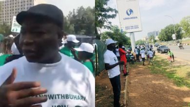 Photo of Pro-Buhari Protesters Fighting Over Money