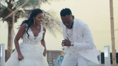 Photo of Simi Reacts To Adakunle Gold Calling Another His Forever