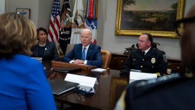 Photo of Biden hosts police chiefs as Democrats try to contain political fallout from violent crime spike